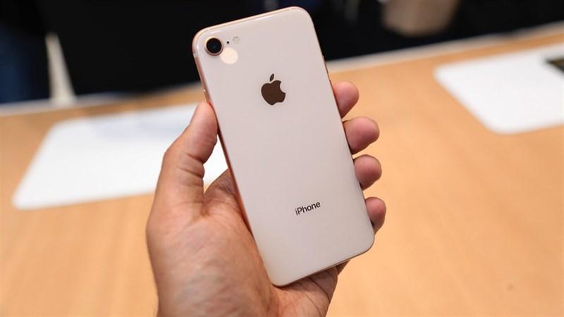 So sánh iPhone 8 và iPhone 7: Rất giống nhưng rất khác