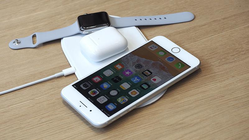 Điện thoại iPhone 8 hỗ trợ sạc không dây