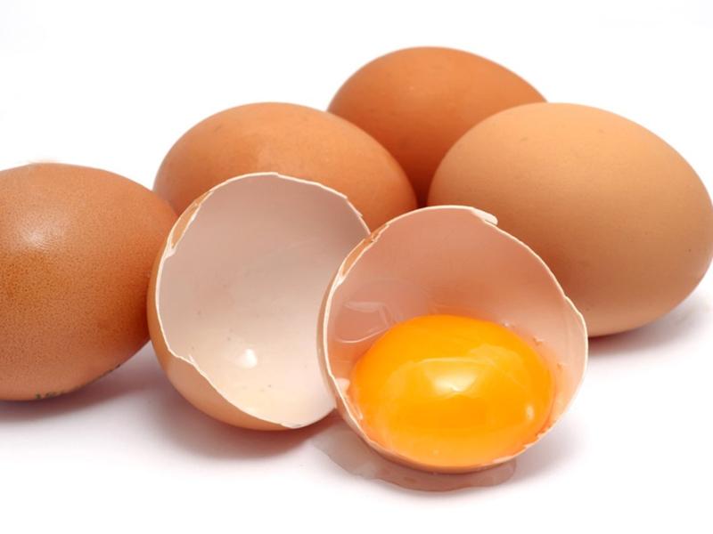 Sử dụng lòng đỏ trứng gà