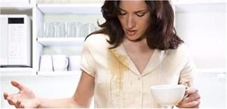 Cách tẩy vết trà trên quần áo