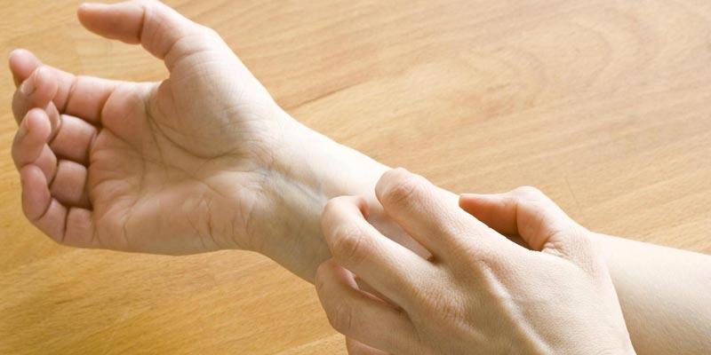 ngứa tay