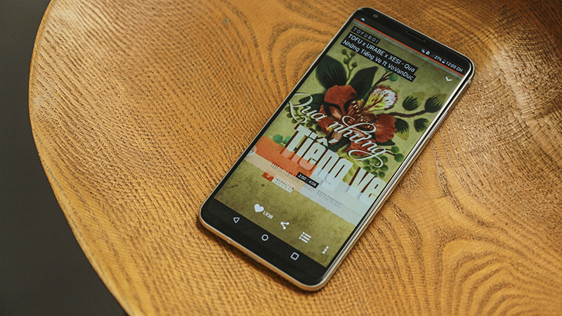 Trên tay LG V30