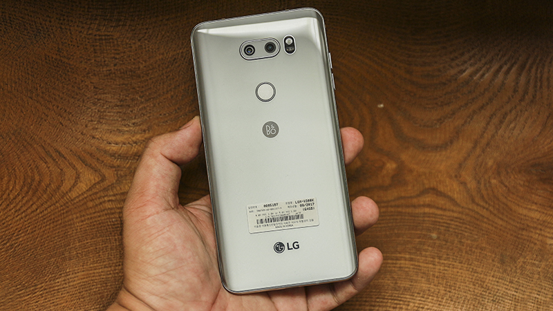 Trên tay LG V30 tại Việt Nam