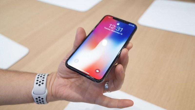Tim Cook: iPhone X giá ngàn đô không hề đắt đỏ