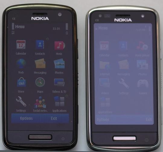 Nokia C6-01 sử dụng ClearBlack Display đọ màn hình với một sản phẩm khác dưới ánh nắng mặt trời