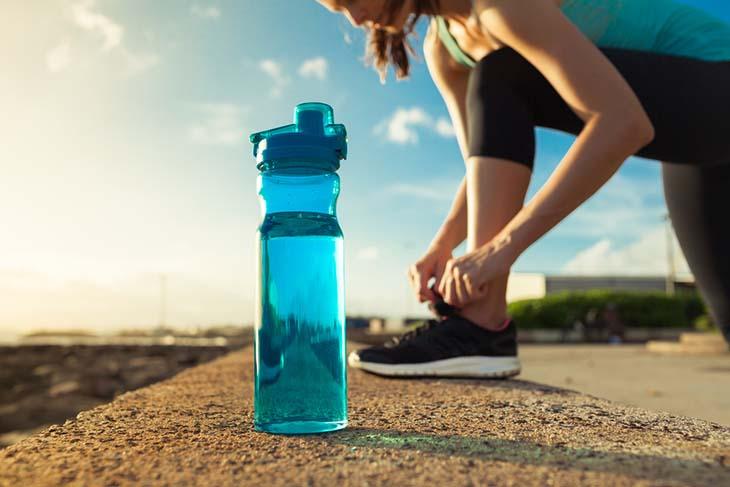 Bình đựng nước nhựa có an toàn hay không?
