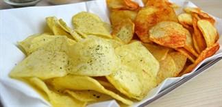 Tự làm snack khoai tây tại nhà bằng lò vi sóng