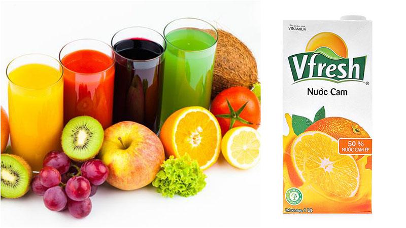 So sánh nước ép trái cây đóng hộp và nước ép trái cây tươi