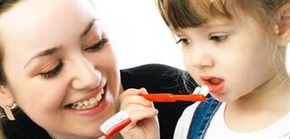 Bé mấy tuổi nên cho sử dụng bàn chải đánh răng?