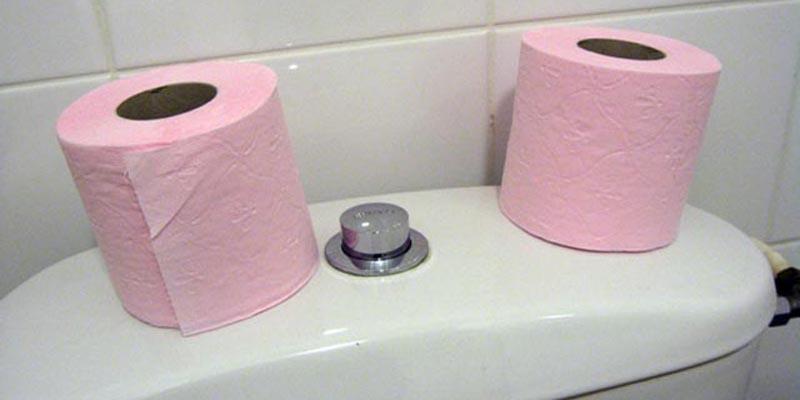 Dễ nhiễm trùng niệu đạo thông qua thao tác sử dụng giấy sau khi đi vệ sinh