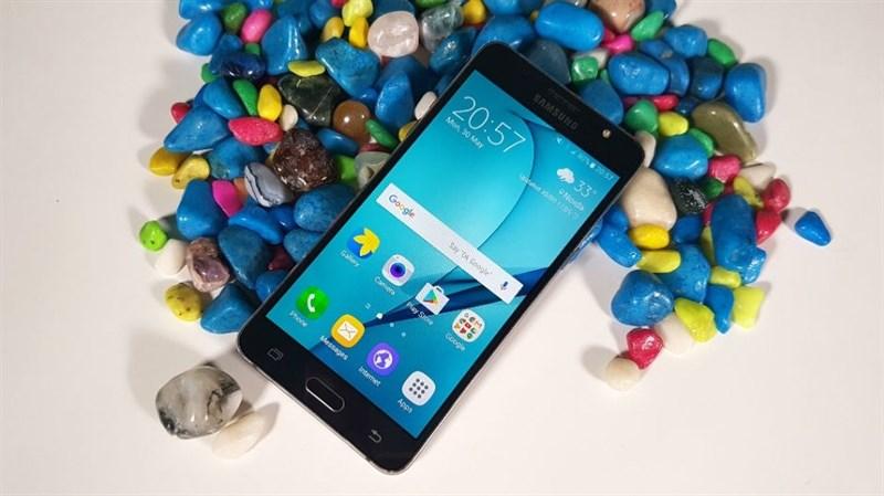Galaxy J5 2016 nhận cập nhật Android 7.1.1, giao diện Experience 8.5