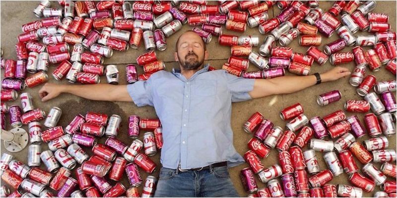 Chuyện gì xảy ra nếu bạn uống 10 lon Coca Cola mỗi ngày trong 1 tháng?