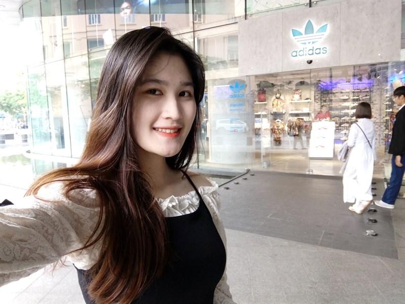 Selfie bằng camera kép Mobiistar S2 Dual 001