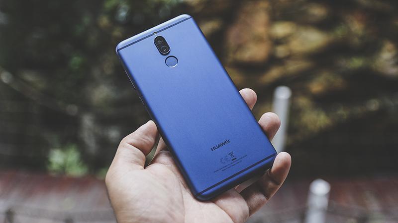 Trên tay Huawei Nova 2i xanh navy