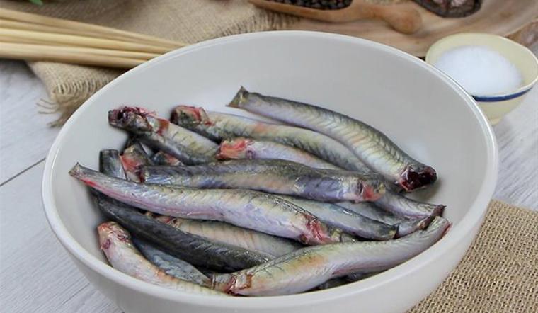 Cách làm sạch cá kèo hết nhớt và hết tanh với các nguyên liệu có sẵn ở nhà