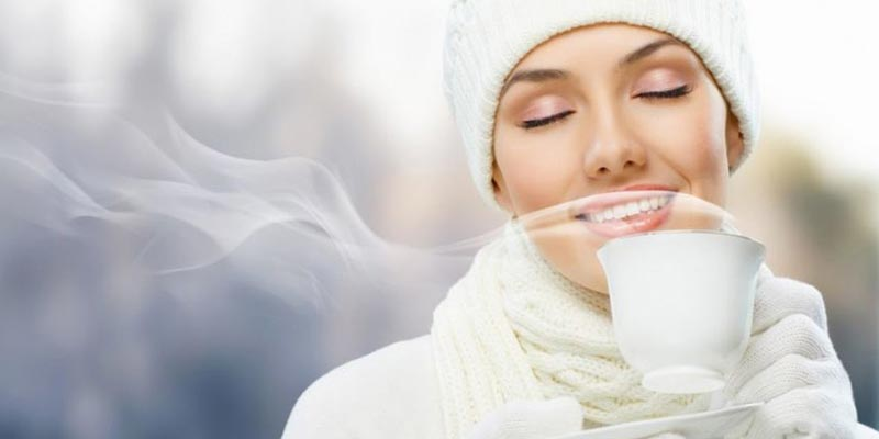 Ngoài việc giữ ấm bụng bằng cách mặc áo ra thì bạn cũng nên ăn uống đồ nóng hoặc ấm, tuyệt đối không nên dùng đồ lạnh hoặc có tính hàn.
