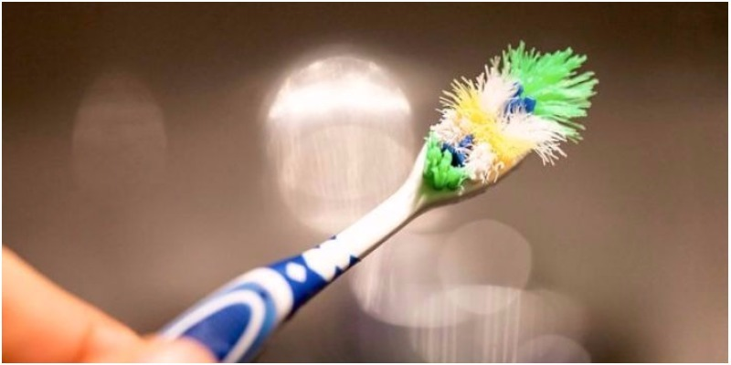 Bàn chải đánh răng dùng bao lâu nên thay?