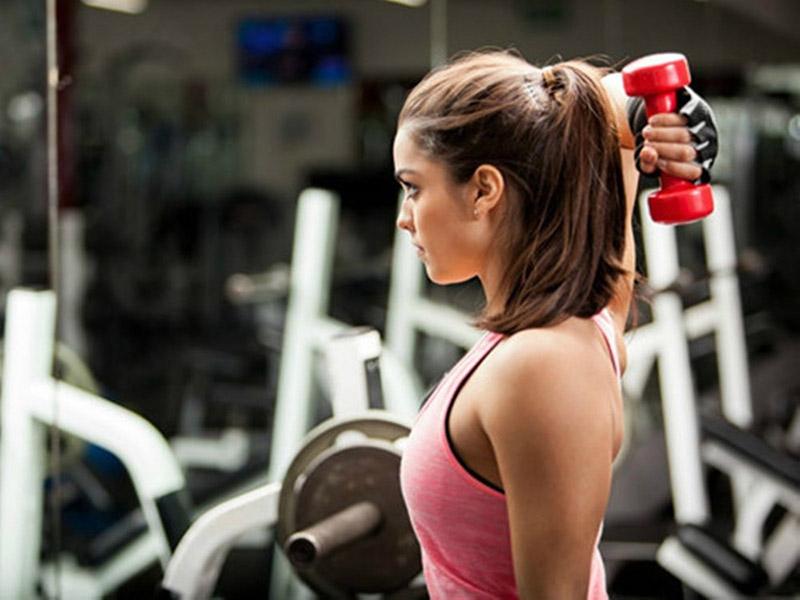 Nếu đang trong chế độ tập luyện mà không ăn thịt, các cơ bắp sẽ mệt mỏi, cần nhiều thời gian phục hồi hơn.