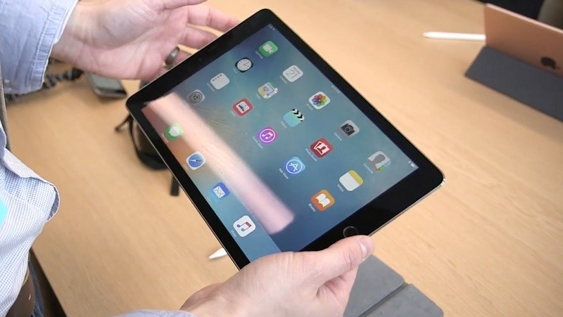 Apple sẽ phát hành iPad 9.7 inch giá rẻ hơn vào năm 2018