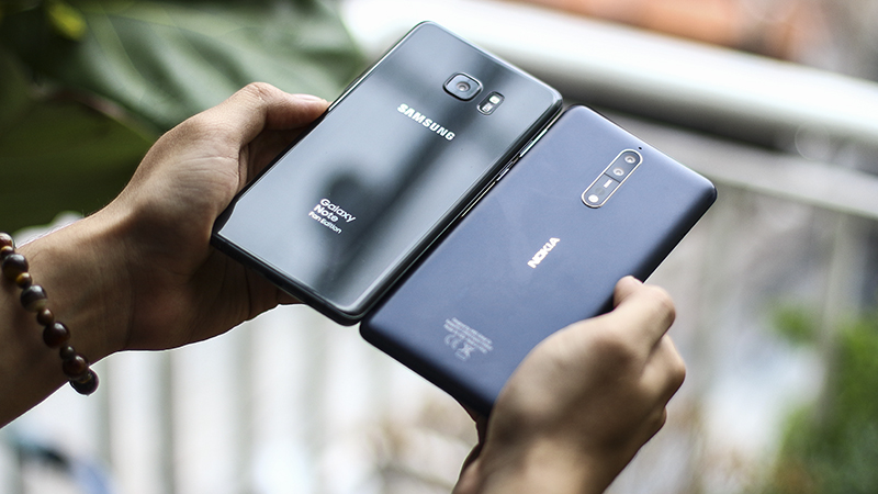 So sánh Galaxy Note FE và Nokia 8
