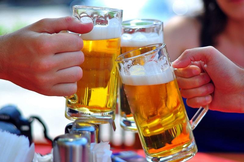 Tác hại của rượu bia khi kết hợp với nước ngọt có gas