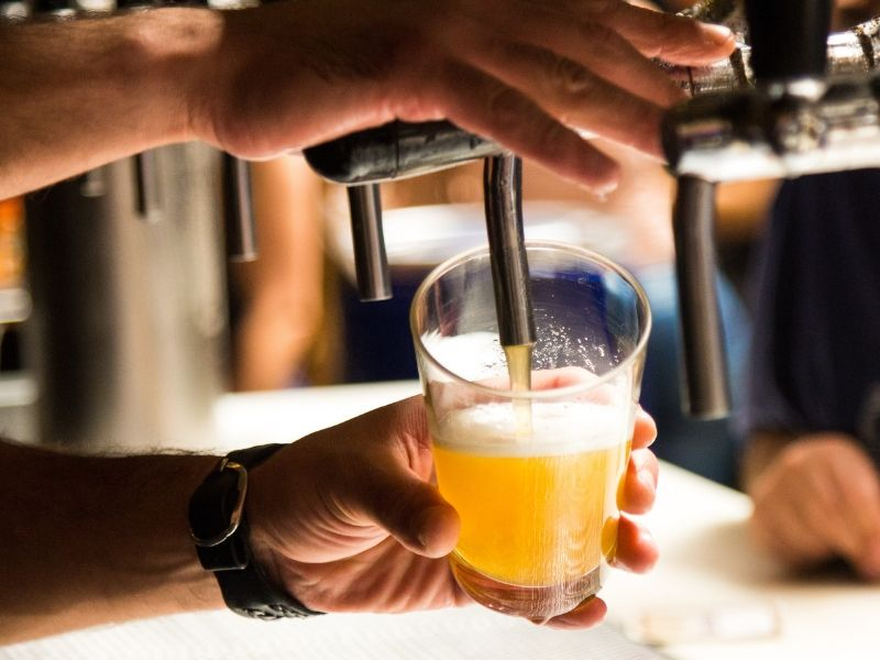 su khac nhau giua bia chai bia lon bia tuoi va bia hoi bia set 201908290830241062