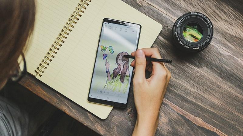 Galaxy Note 8 sở hữu màn hình Super AMOLED