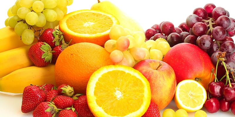nên ăn nhiều trái cây giàu vitamin C, E