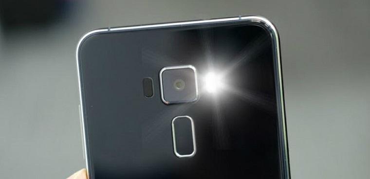 Tìm hiểu về đèn Flash trên điện thoại, công dụng và cách