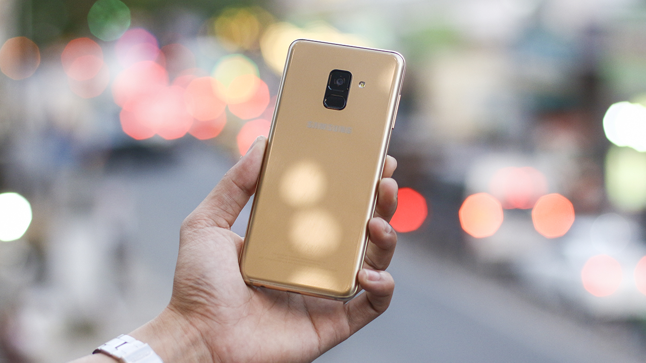 So sánh Galaxy A7 2017 và Galaxy A8 2018