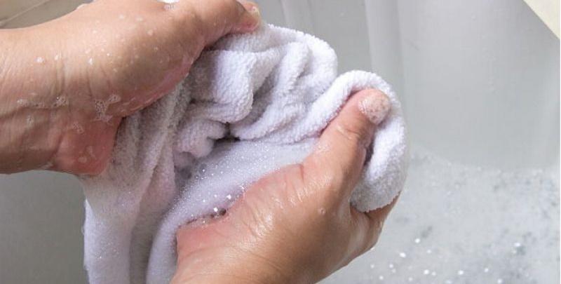 Giặt khăn tắm qua loa