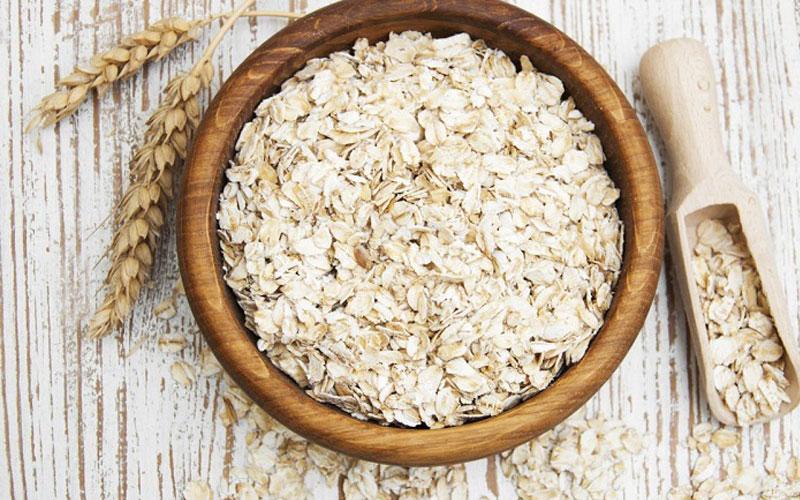 Yến mạch là loại ngũ cốc lấy hạt có giá trị cao, được chế biến thành dạng bột, có màu trắng ngà