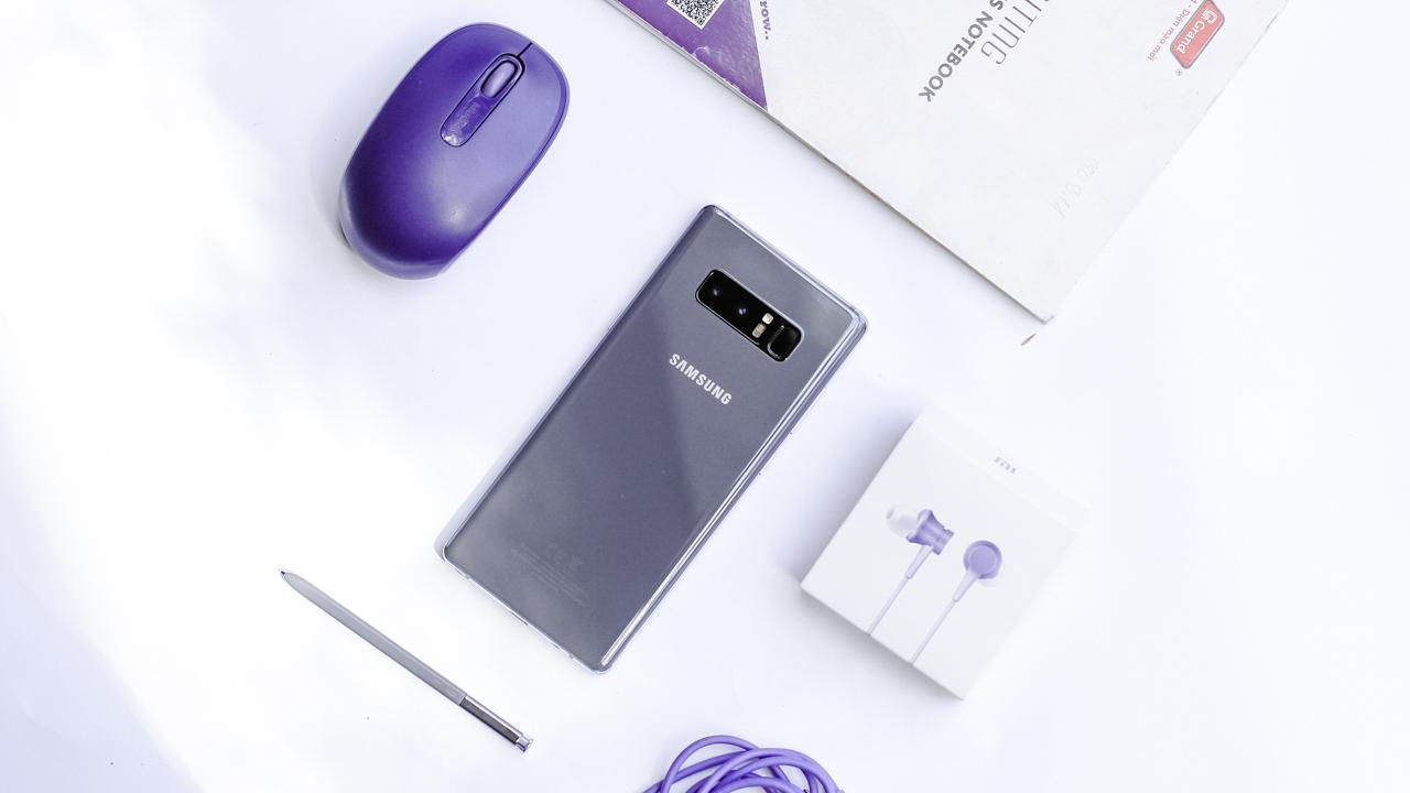 Trên tay Galaxy Note 8 Orchid Gray