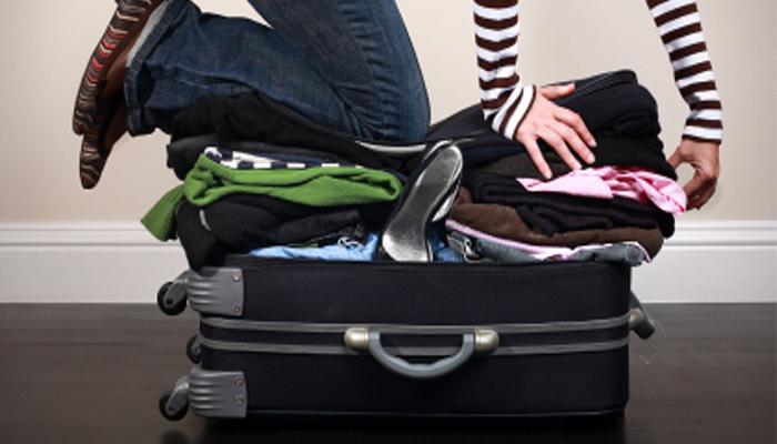 Cách chọn và xếp quần áo đúng cách vào vali khi đi du lịch
