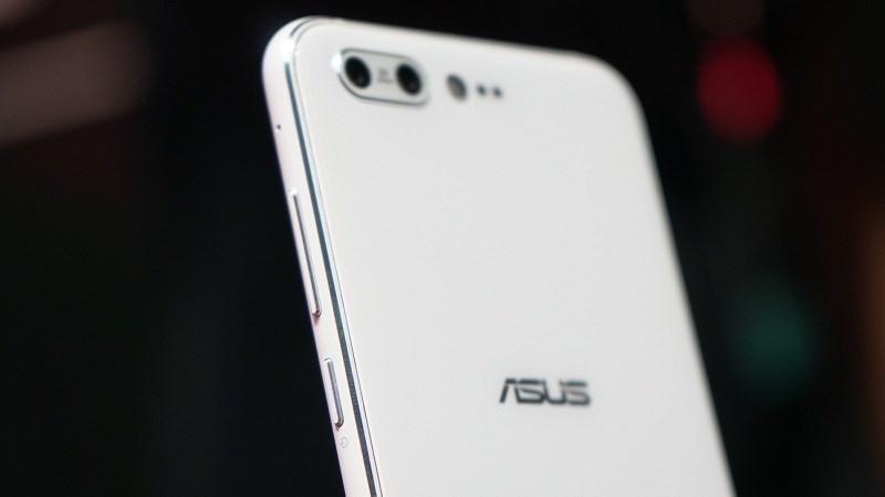 Rò rỉ ZenFone 5 Lite, có thể dùng chip Qualcomm và màn hình 6 inch - ảnh 1