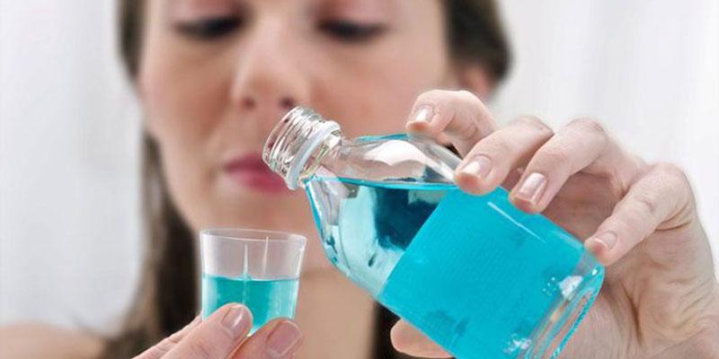 Nước súc miệng giúp loại bỏ vi khuẩn trong khoang miệng