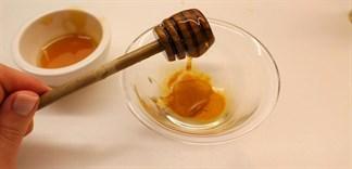 Mẹo cực hay từ mật ong chữa da khô nẻ cho trẻ nhỏ