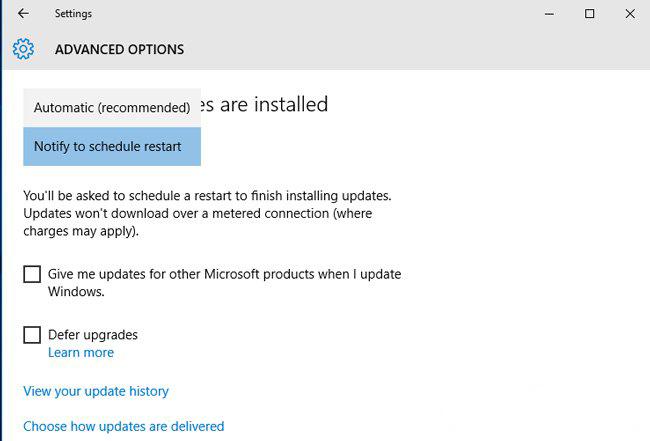 Chọn Windows Update settings hoặc Advanced Windows Update options.