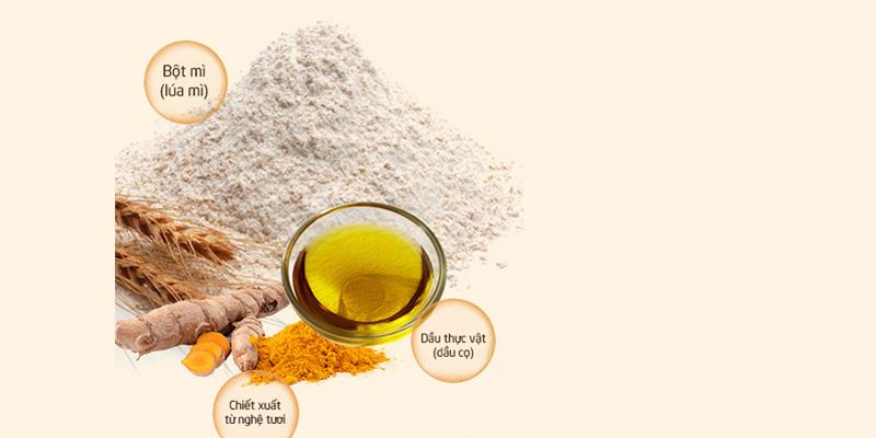 Thành phần trong 1 vắt mì là tinh bột mì (lúa mì), dầu ăn và màu vàng từ bột nghệ tươi