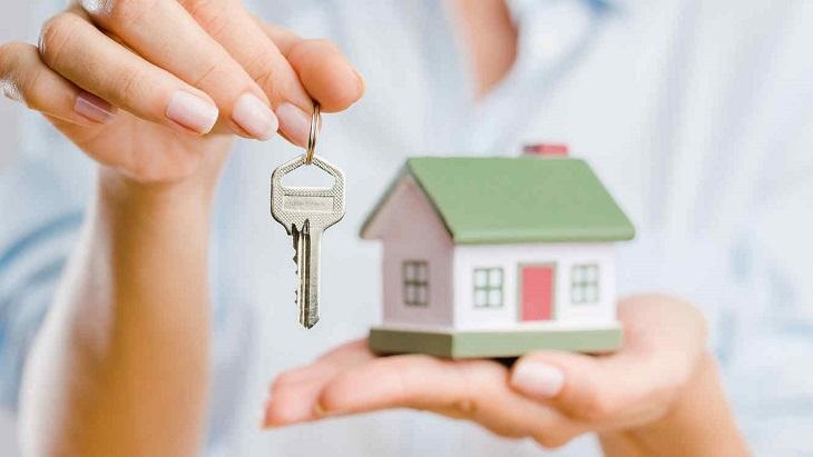 Gửi chìa khóa nhà cho người tin cậy