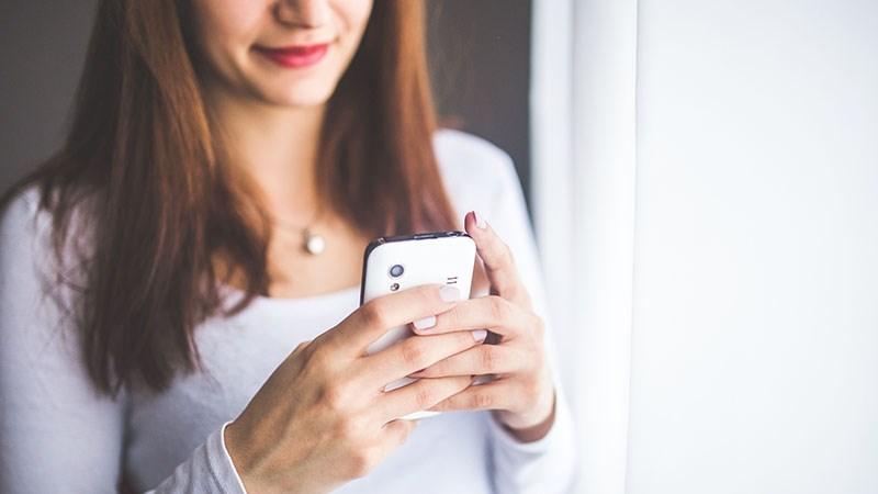 Cách tự động gửi tin nhắn chúc Tết đúng lúc giao thừa cho bạn bè, người thân - ảnh 1