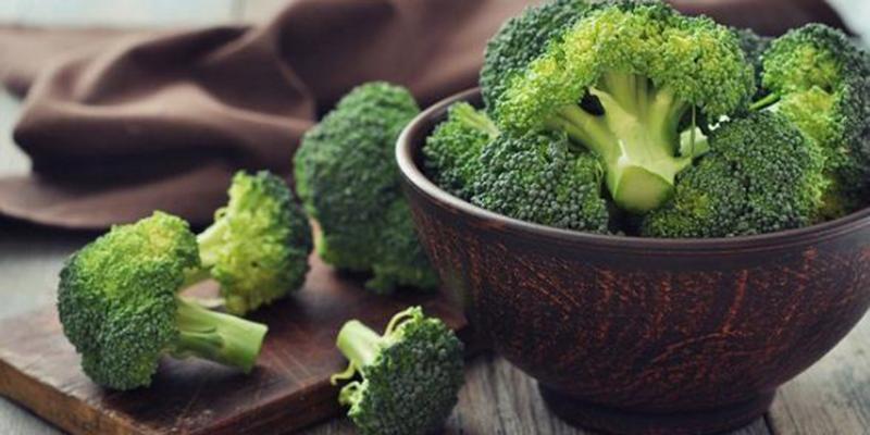 súp lơ xanh bổ sung chất xơ nhiều nhất. Nhờ vào lượng Vitamin C dồi dào giúp trẻ được phát triển tốt hơn