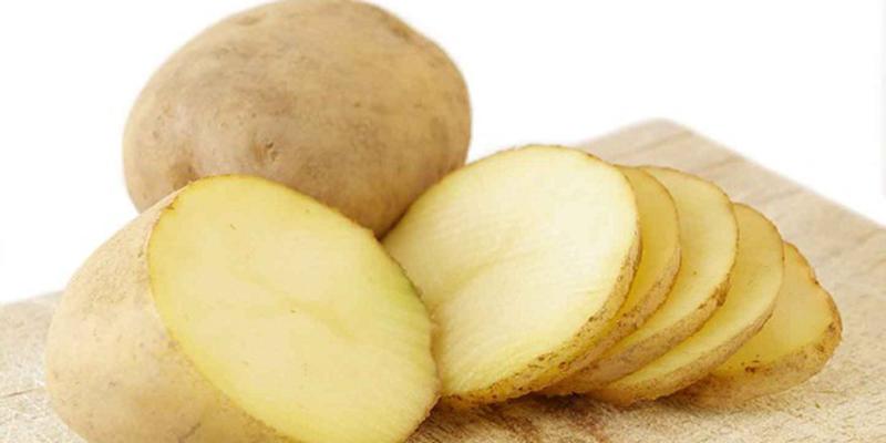 các mẹ có thể dùng khoai tây thay thế để bé ăn được ngon miệng hơn