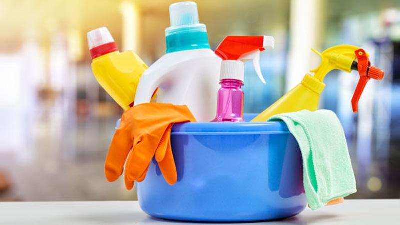 Thu thập dụng cụ vệ sinh bếp