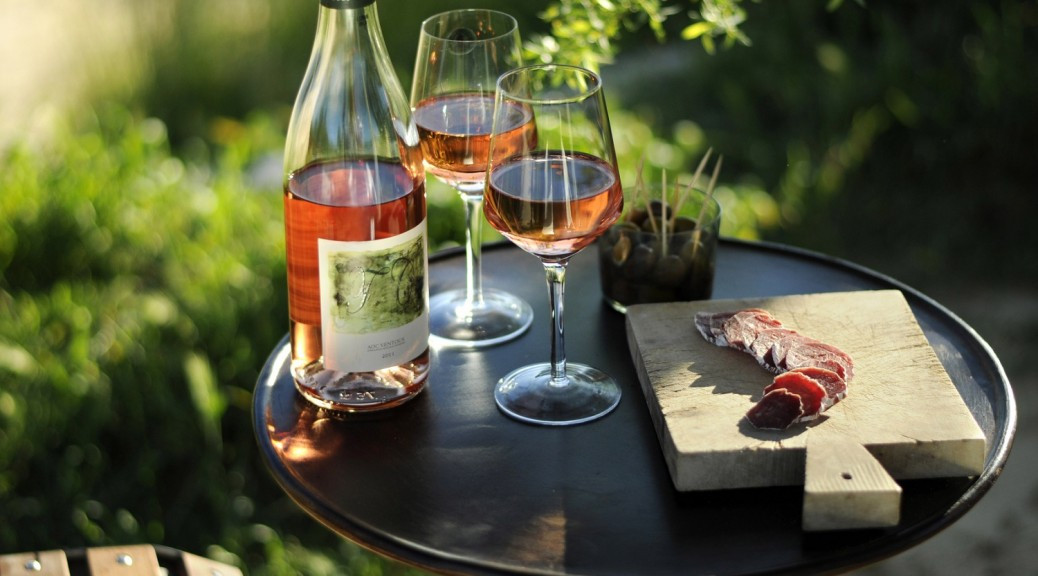Cách kết hợp rượu vang và món ăn đúng điệu