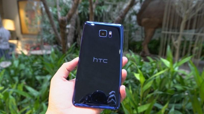 Tại Việt Nam, HTC Ultra đã có thể nâng cấp lên Android 8.0 Oreo