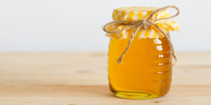 Tránh để mật ong tiếp xúc với không khí, tuyệt đối không nên để những nơi có mùi xăng, dầu, hành, tỏi.
