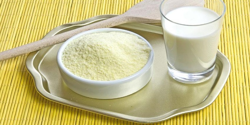 Pha sữa công thức và sữa tươi