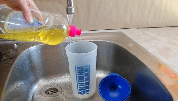Bảo quản bình đựng nước bền lâu