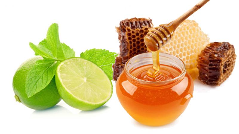 Để tăng hiệu quả trị mụn, dưỡng mịn da và làm trắng, bạn có thể kết hợp cà chua với mật ong và nước cốt chanh để tạo thành hỗn hợp mặt nạ chất lượng